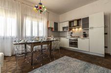 Appartamento a Venezia - Greci Canal View Apartment R&R